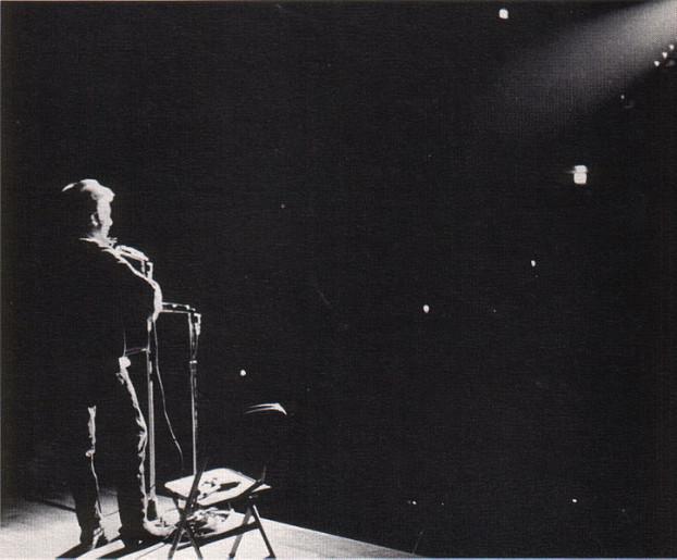 724px-Bob_Dylan_in_November_1963-5
