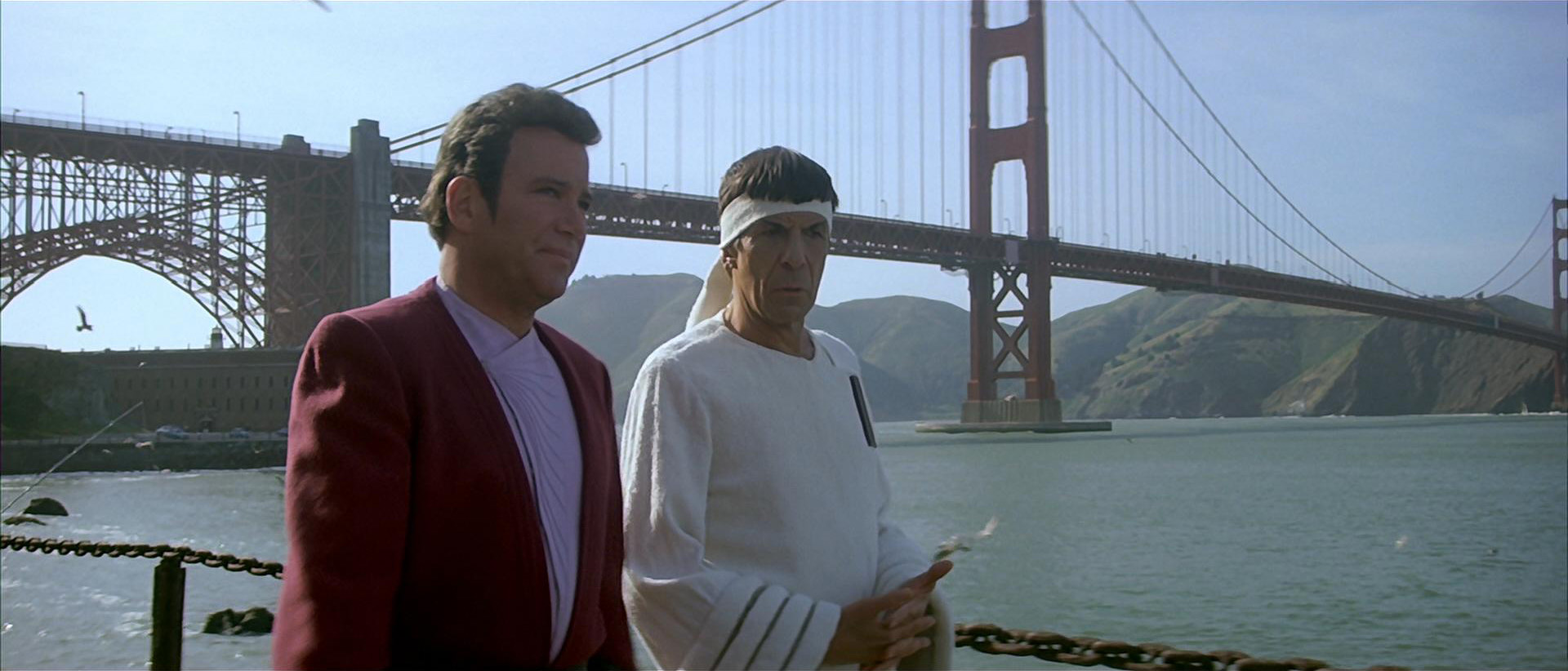 star-trek-kirk_and_spock_in_san_francisco